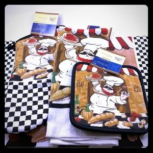 Other - 8 Piece Kitchen Linen Set Mitt, Towel, Mats, Pot H